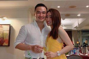 Diễn viên Chi Bảo công khai tình tứ bên bạn gái mới ngầm thừa nhận tin đồn ly hôn
