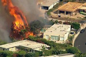 Cháy khu nhà giàu Los Angeles, đe dọa hàng trăm biệt thự triệu đô