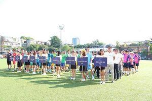 Cựu học sinh PTTH khóa 96-99 tại Hà Nội tổ chức giải bóng đá từ thiện