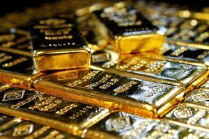 Áp lực lớn, giá vàng 'chật vật' tìm lại đà tăng