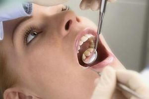 Bác sĩ bị cấm hành nghề vì để bệnh nhân chảy máu đến chết khi nhổ răng