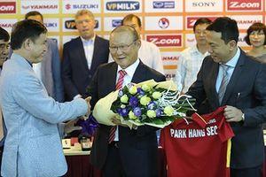 Điều gì chờ đợi khi HLV Park Hang Seo đặt bút ký hợp đồng mới với VFF?