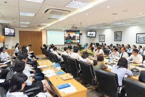 Cập nhật thông tin về triển vọng kinh tế toàn cầu và Việt Nam