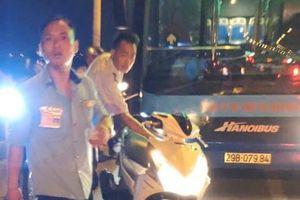 Tài xế xe khách, xe buýt đánh người như côn đồ - Sở GTVT nói gì?