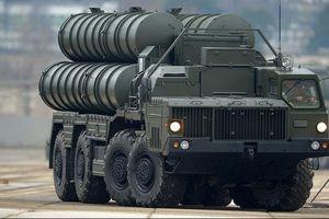 Cận cảnh 'rồng lửa' S-400 khoe sức mạnh tác chiến