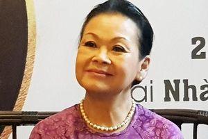 Danh ca Khánh Ly nói về 'vết thương lòng' của 7 năm làm dâu Đà Nẵng!