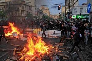 Bạo loạn tiếp diễn tại các thành phố lớn ở Chile
