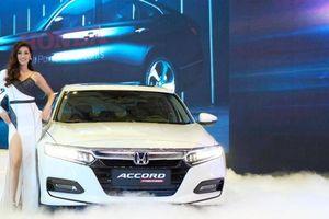 Honda Accord mới chốt giá hơn 1,3 tỷ đồng có gì để cạnh tranh Toyota Camry?