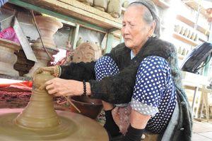 Gặp gỡ nữ nghệ nhân 95 tuổi với 80 năm làm gốm ở Quảng Nam