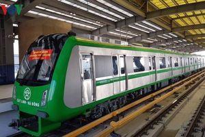 Đường sắt đô thị chậm tiến độ đội vốn nhưng vẫn được đề xuất đầu tư