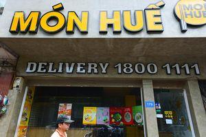 Nhiều cửa hàng Món Huế ở Hà Nội đóng cửa, bỏ lại bàn ghế