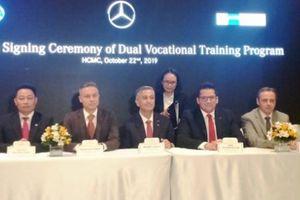 Mercedes Benz hợp tác với trường nghề đào tạo nhân lực chất lượng cao