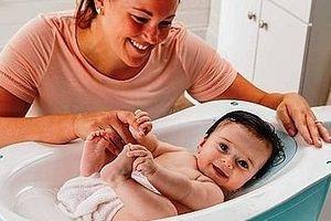 Những ưu việt khi bác sĩ gia đình chăm sóc trẻ nhỏ tại nhà
