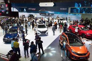 Gian hàng Honda và Toyota Việt Nam hút khách tại Triển lãm Ôtô Việt Nam 2019