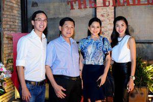 Hàng không 'bùng nổ', công ty gia đình nhà chồng Hà Tăng 'hốt bạc'