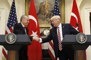 Thổ Nhĩ Kỳ tuyên bố dừng chiến dịch ở Syria, Mỹ ngay lập tức có 'phần thưởng'