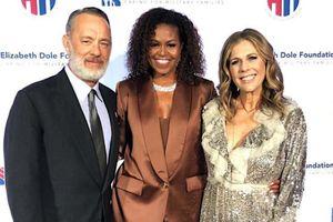 Cựu đệ nhất phu nhân Tổng thống Mỹ Michelle Obama rạng ngời trong trang phục của NTK Công Trí