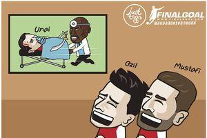 Biếm họa 24h: Oezil và Mustafi cười sảng khoái khi HLV Emery nhập viện