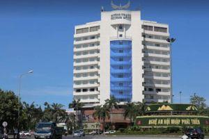 Phó phòng kế toán đại học tử vong sau khi rơi từ tầng 8 khách sạn