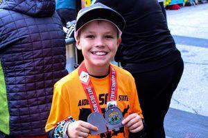 Cậu bé 11 tuổi chạy qua 50 bang của Mỹ