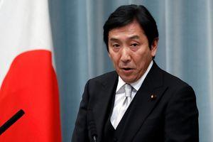 Bộ trưởng Thương mại Nhật từ chức vì tặng quà cho cử tri