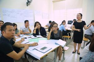 Tập huấn 300 giáo viên cốt cán thực hiện CTGDPT mới