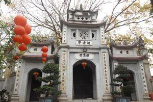 Chùa Tĩnh Lâu – Ngôi chùa cổ kính bên bờ hồ Tây