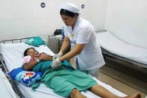 Sản phụ Quảng Nam sinh thường 3 bé gái sau 10 phút