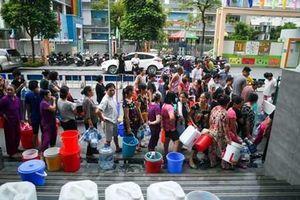 Nước sạch sông Đà xin lỗi người dân, cho biết sẽ bồi thường khách hàng