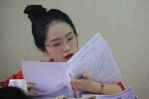 Xuất hiện trong loạt ảnh chụp lén ở kỳ thực tập, nữ sinh ĐH Sư phạm khiến CĐM rần rần tìm 'info' bởi vẻ ngoài xinh như thiên thần