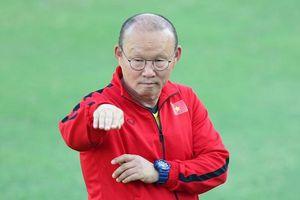 HLV Lê Thụy Hải: Hãy tôn trọng ông Park Hang Seo!