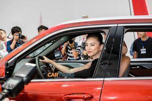 Diễn viên Ngô Thanh Vân nhận mẫu xe VinFast nào tại triển lãm ô tô Việt Nam 2019?