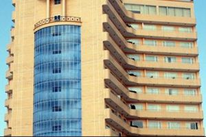 Rơi từ tầng 8 xuống ban công tầng 2, cán bộ trường ĐH tử vong
