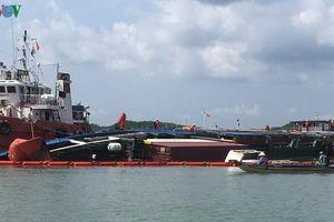 Tiếp tục xử lý tràn dầu sau vụ chìm tàu trên sông Lòng Tàu