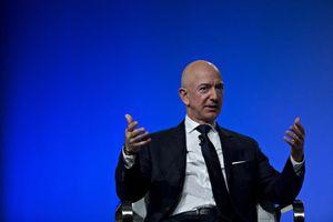 Cổ phiếu Amazon 'bốc hơi', Jeff Bezos tạm mất ngôi giàu nhất thế giới