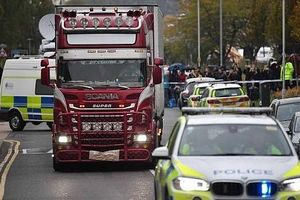 Lỗ hổng khiến thùng hàng chở 39 người tại Anh dễ dàng lọt qua các cảng quốc tế