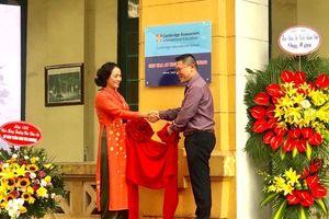 Trường THPT Chu Văn An được chứng nhận đạt chuẩn Cambridge quốc tế