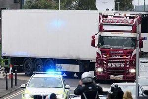 39 người chết trong container: Những dấu bàn tay máu và thi thể trần trụi
