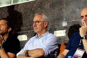 HLV UAE chịu sức ép nặng nề trước trận gặp Việt Nam