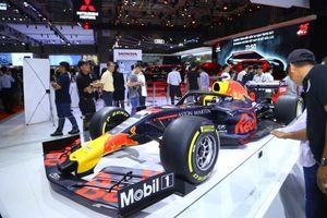 Thưởng lãm xe đua F1 và thiết bị di chuyển của Honda tại VMS 2019