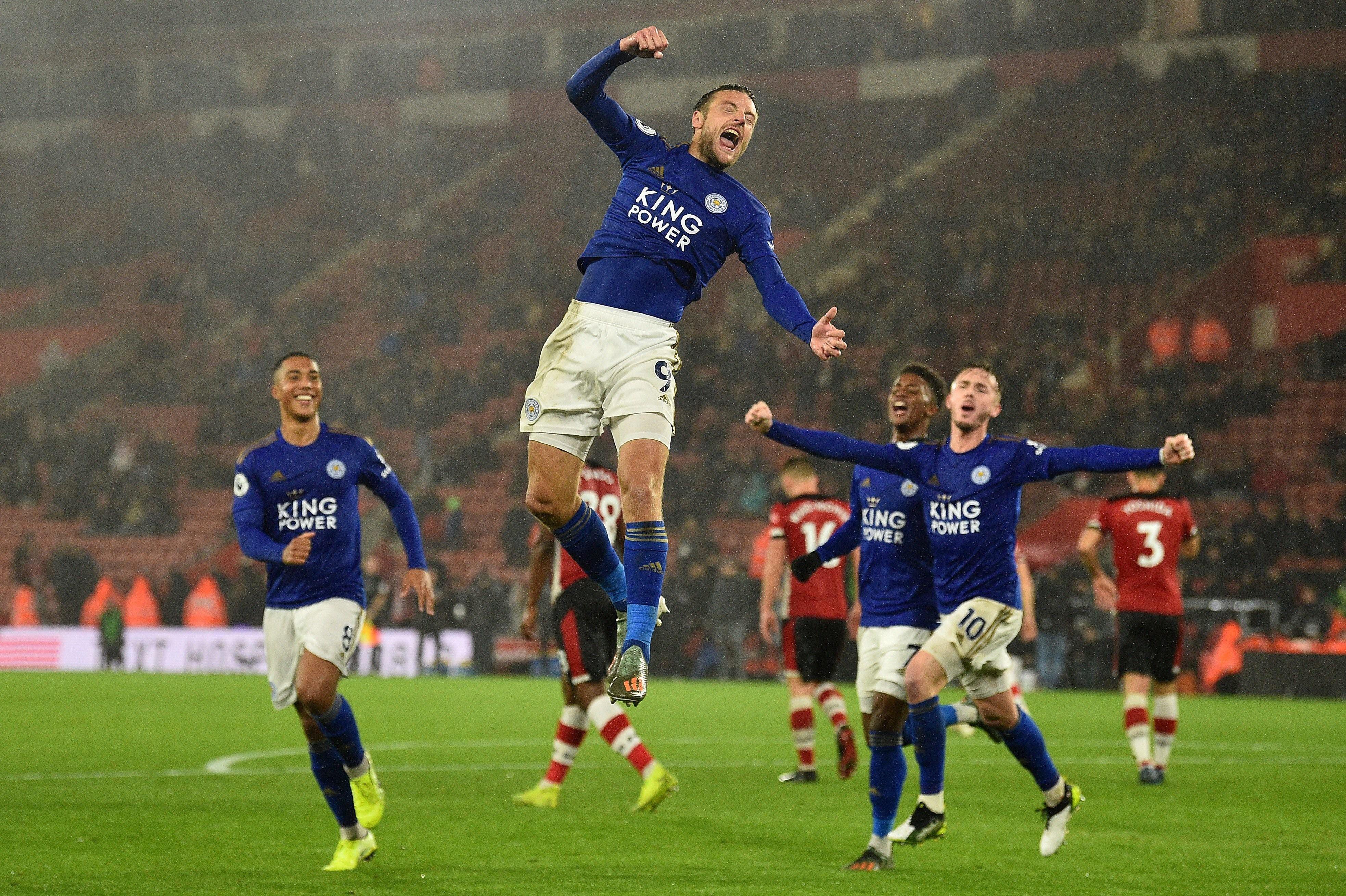 Southampton 0-9 Leicester City: 'Bầy cáo' lập hàng loạt kỷ lục khủng