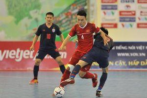 Khen tuyển Việt Nam chơi hay, HLV Thái Lan thừa nhận gặp khó