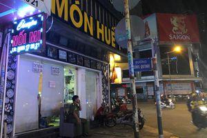 Nhà hàng Món Huế ở TP.HCM bị người đến chuyển tài sản