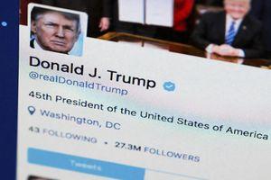 Tổng thống Trump ra thông báo lạ giữa nguy cơ bị điều tra