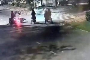 Truy bắt nhóm cướp, đánh đôi nam nữ táo tợn trên đường phố