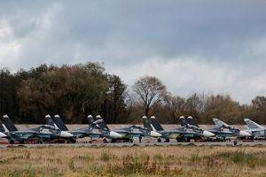 Dàn tiêm kích, oanh tạc cơ Nga 'dội bom' bán đảo Crimea