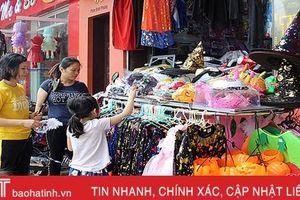 Nhộn nhịp thị trường trang phục ngày hội Halloween ở Hà Tĩnh