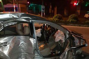 Clip: Khoảnh khắc xe khách chạy tốc độ kinh hoàng, tông trúng taxi đang quay đầu làm 3 người tử vong ở Nghệ An