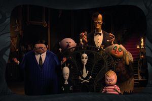Gia đình Addams tái xuất, chinh phục mùa phim Halloween
