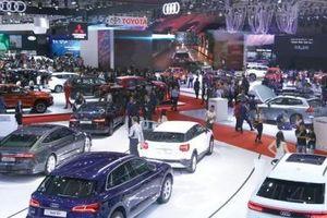 Sản xuất ô tô trong nước hay nhập khẩu?